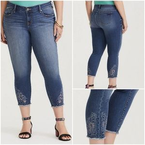 Torrid Crop Cut Out Embroidery Skinny Jean Size 24